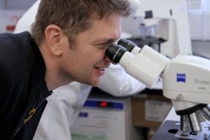 Milton examines 'his' disease. Photo by Anna Tanczos